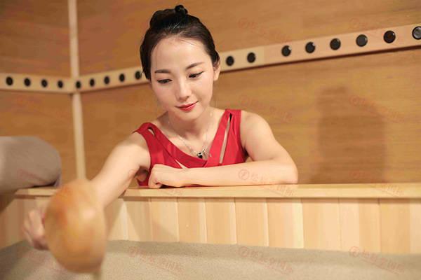 松辰堂国际带您了解女人不健康的表现,沙疗对女性的好处